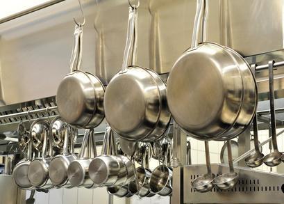 Großküche als Anwendungsbeispiel für Fensterventilatoren